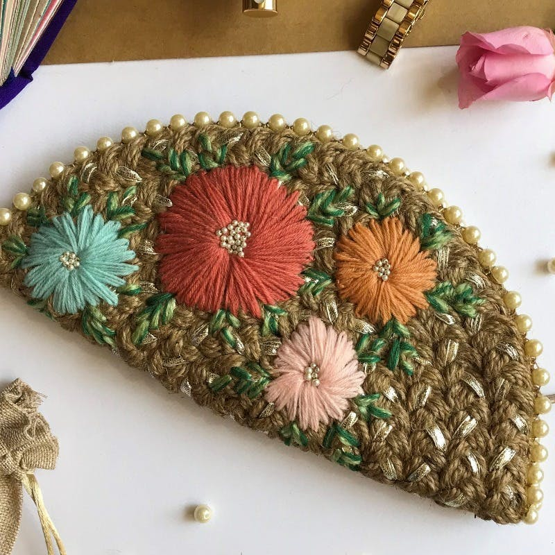 Plant,Flower,Textile,Dishware,Natural material,Rectangle,Wood,Creative arts,Flower Arranging,Twig