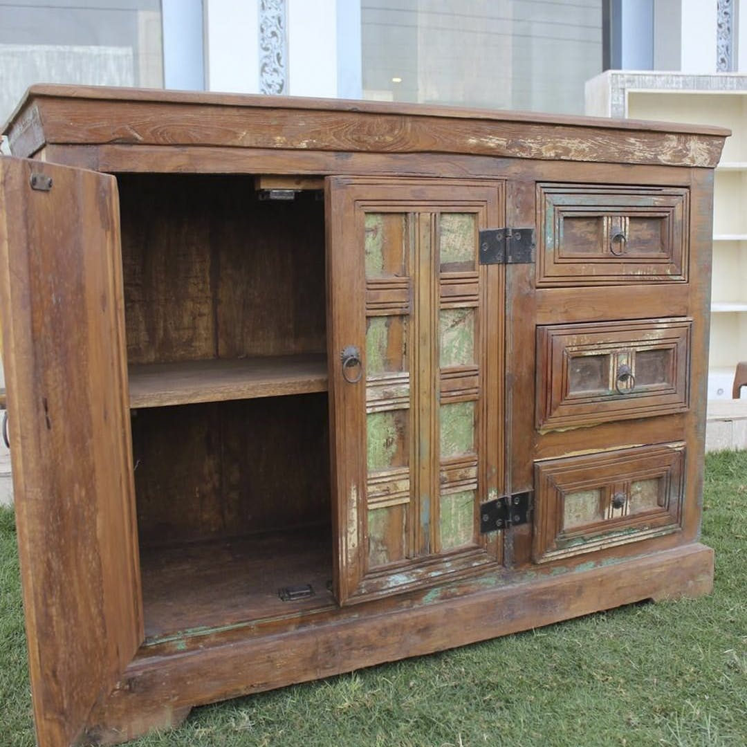 Cabinetry,Chest of drawers,Wood,Drawer,Rectangle,Shelf,Bookcase,Wood stain,Cupboard,Hardwood