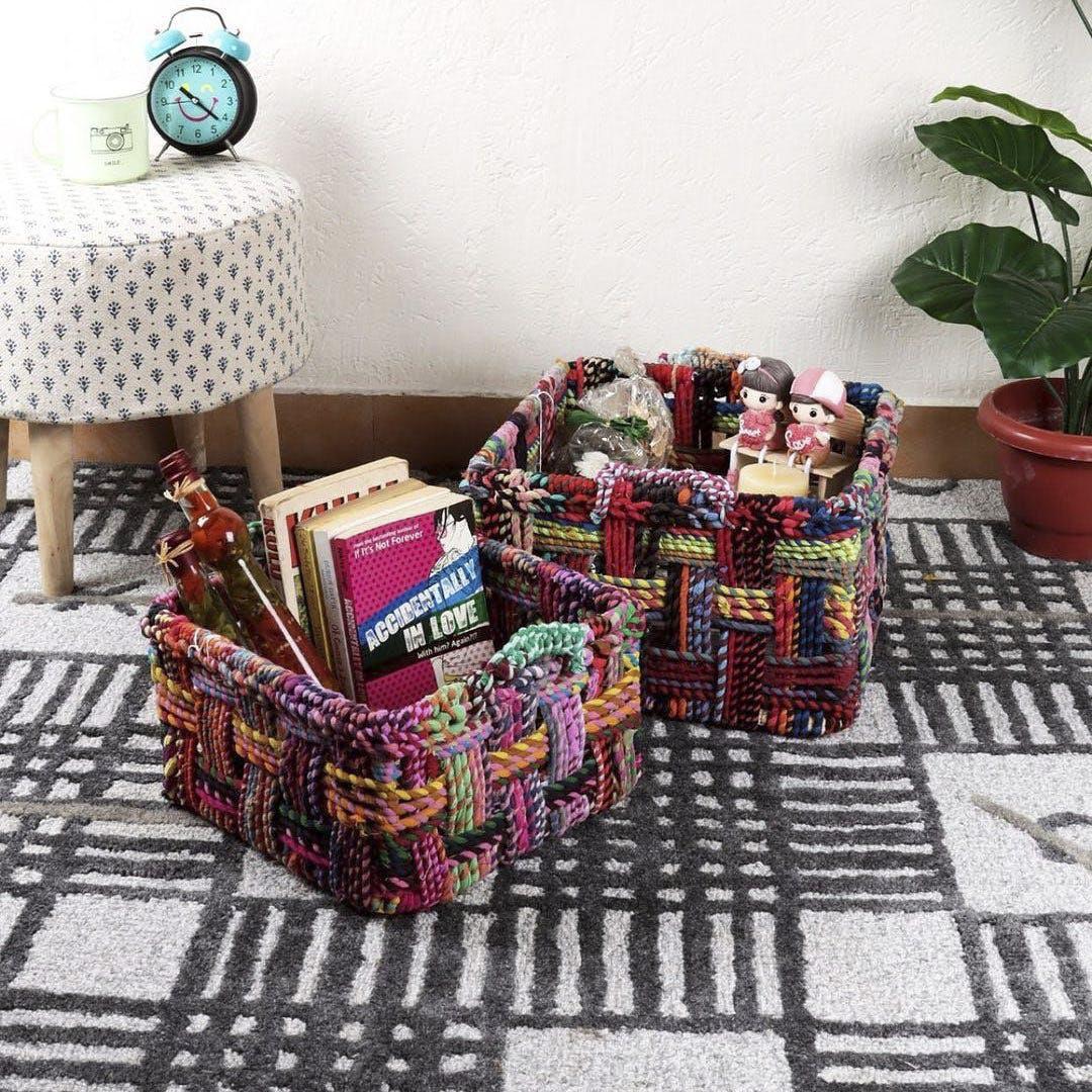 Plant,Furniture,Green,Houseplant,Flowerpot,Purple,Textile,Interior design,Living room,Pillow