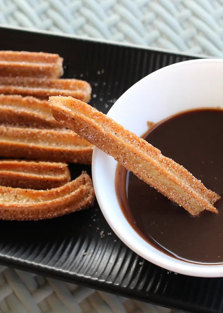 Ready to Cook - Spanish Churros (20 Churros with Chocolate Sauce and Cinnamon Dust) - 400gm