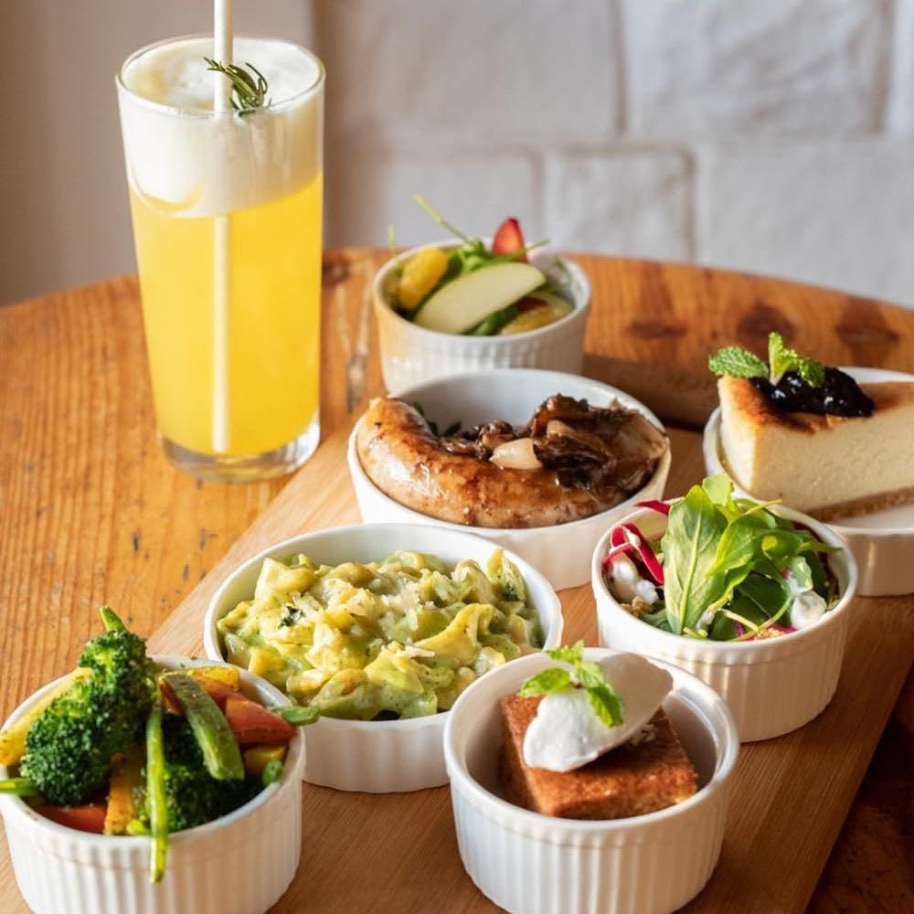 Food,Tableware,Ingredient,Passion fruit juice,Table,Orange drink,Sour mix,Juice,Recipe,Cocktail