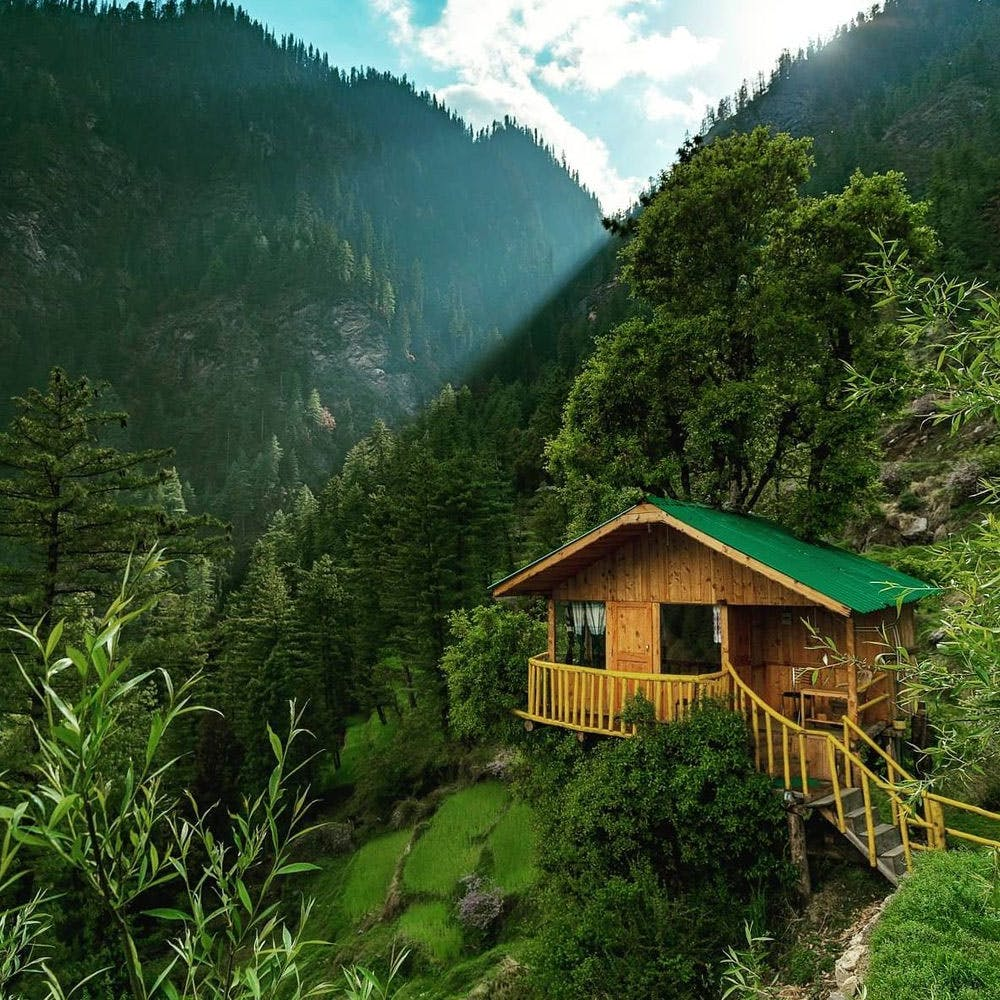 Mountain,Cloud,Plant,Sky,Building,Green,Nature,Natural landscape,Tree,House