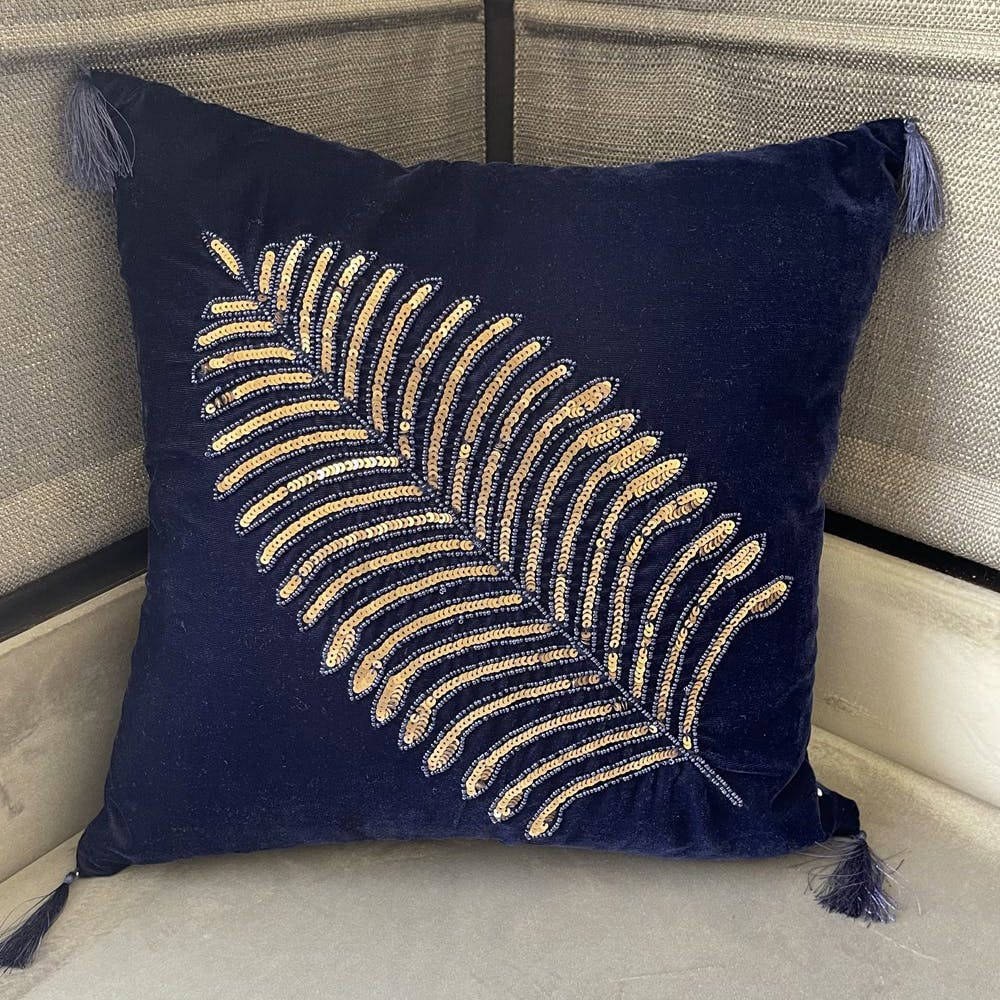 Rectangle,Creative arts,Electric blue,Font,Pattern,Linens,Tints and shades,Bedding,Wood,Natural material
