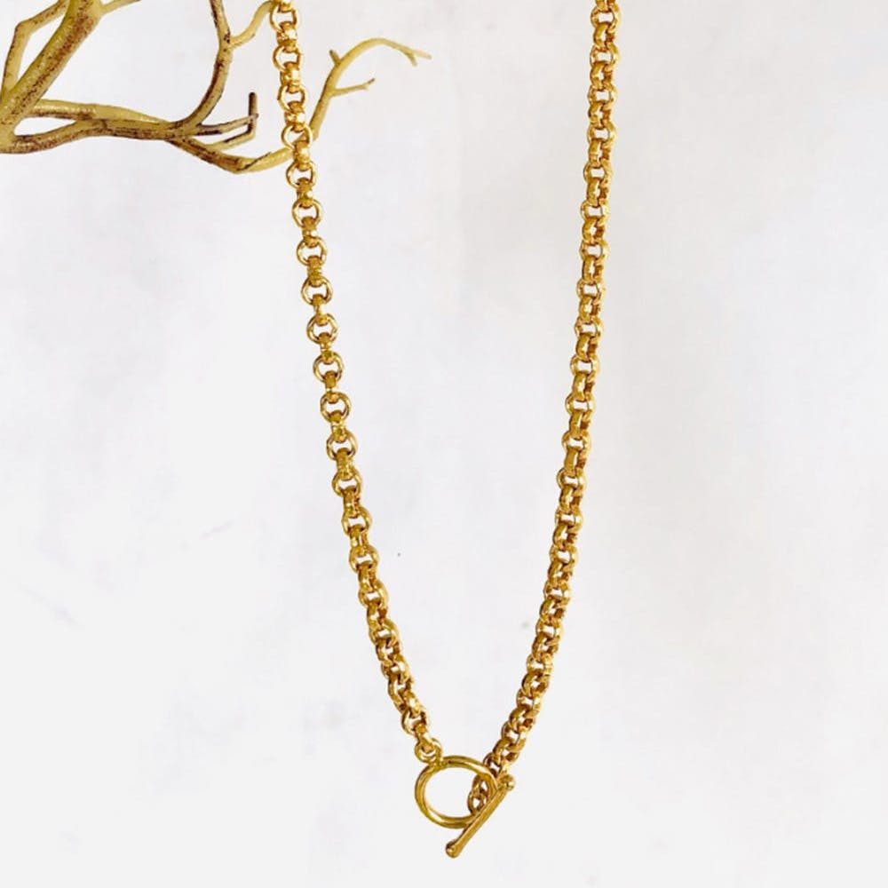 Classic Minimalist Oval Gold Necklace