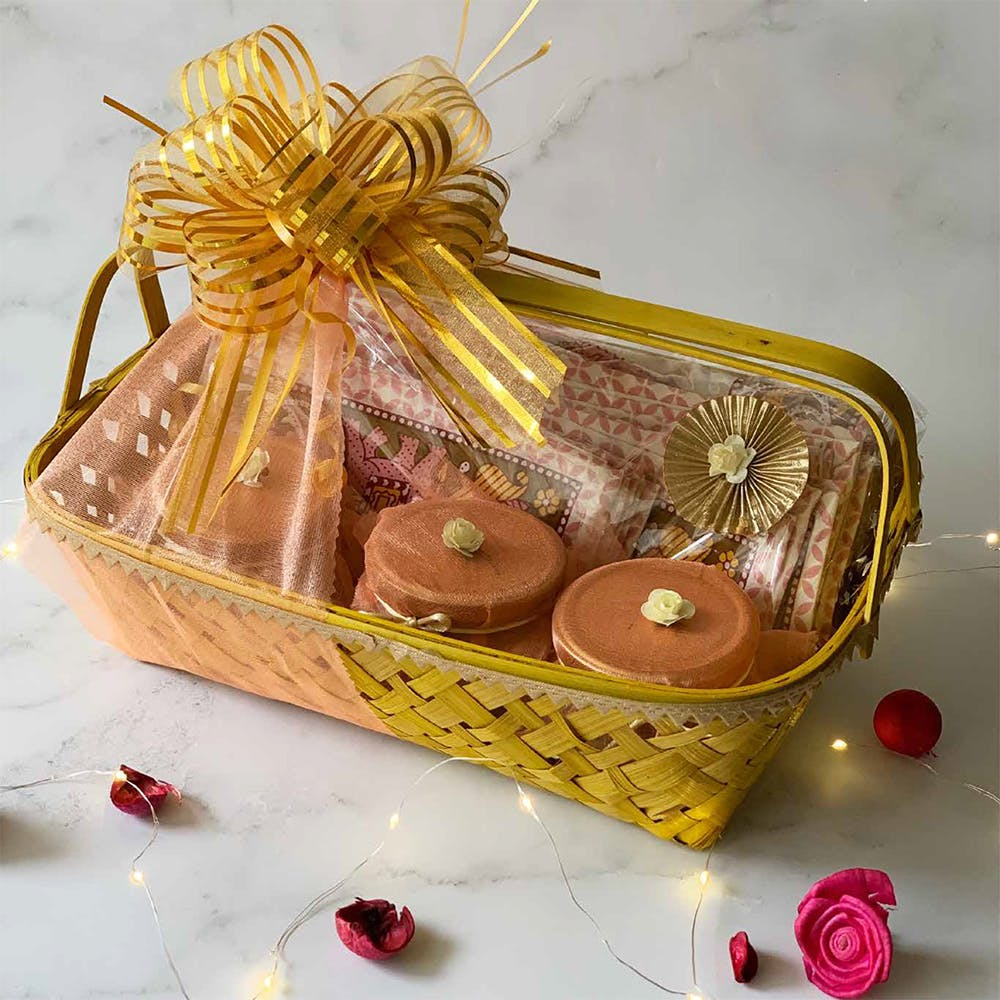Basket,Food,Storage basket,Event,Cuisine,Fashion accessory,Wicker,Present,Sweetness,Natural material